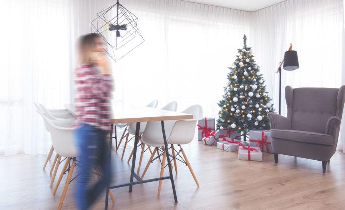 Künstliche Weihnachtsbäume von FairyTrees Aufbau